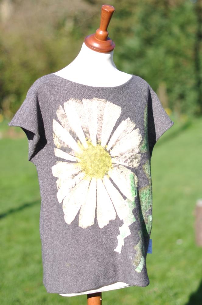 Bluse med blomst